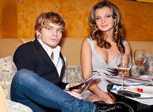 время, когда почему анна герм разошлась с первым мужем Колорит, ООО