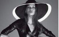 Карли Клосс разделась для Vogue