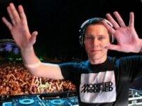 DJ Tiesto оденет своих слушателей в авторские футболки