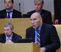 Блогеры требует не превращать Госдуму в шоу со «звездами»
