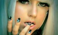 Леди Гага пишет песни только под водочку