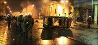 В Греции футбольные фанаты устроили беспорядки