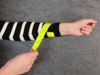 Обязательные светоотражающие браслеты для пешеходов