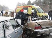 В результате ДТП в Волгоградской области один человек погиб, девять получили ранения