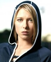 Смотреть онлайн Уимблдон Шарапова –  Пиронкова прямая трансляция. 27 июня 2012г