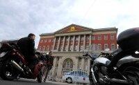Байкеры просят московские власти разрешить им передвигаться по специальным полосам