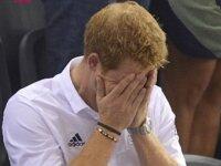 Фотографии, на которых голый принц Гарри играет в бильярд, попали в сеть