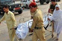 В Пакистане прошли митинги в поддержку раненой талибами девушки