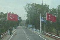 Сирийцы продолжают бежать в Турцию, несмотря на конфликт