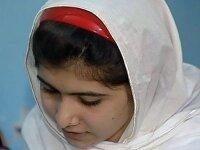 Раненая талибами пакистанская девочка идет на выздоровление