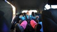 Штраф за перевозку детей без кресла должен быть высоким, уверены в ГИБДД