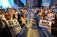 Социальные сети вывели на улицы Буэнос-Айреса сотни тысяч людей