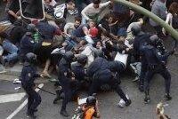 """Испания: демонстранты """"прячут"""" страну"""