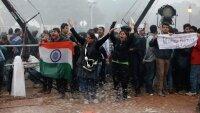 Премьер-министр Индии призвал протестующих к спокойствию