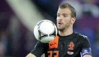 Футболист Ван дер Варт разводится с женой