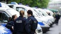 Полиция Берлина показала тоннель, через который преступники в начале недели проникли в банк