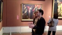 В Пушкинском музее прошла акция музея эротического искусства Точка-G
