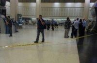 Мужчина застрелил себя в американском аэропорту