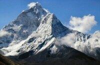 С Эвереста было собрано 4 тонны мусора