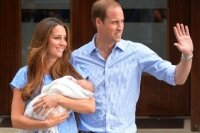 Принц Уильям и Кейт Миддлтон показали своего новорожденного сына