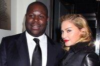 Мадонне запретили посещать сеть кинотеатров из-за переписки во время сеанса