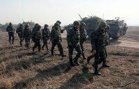 Украинские солдаты и их семьи покидают Крым
