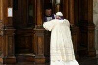Папа исповедовался в базилике св. Петра.