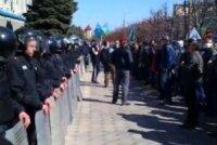 В Харькове задерживают протестующих