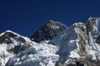После лавини на горе скалолазы хотят компенсаций и грозят протестом