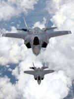 Правительство потратит более чем  $12 млрд на истребители Joint Strike (JSF)